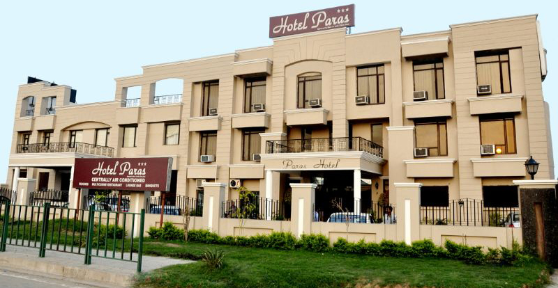 Hotel Paras Dera Bi Is Conveniently Located On The Ambala Chandigarh National Highway 22 Come Alone Or Bring Your Family With You To Stay For A Night